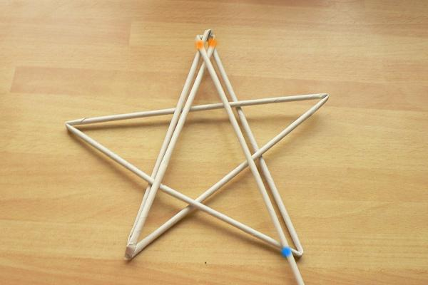 Fotopostup na papierové pletenie - pletená päť a šesťramenná hviezda 7