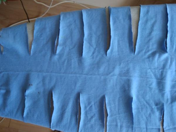 Hračka pre psa z vyradených tričiek 3