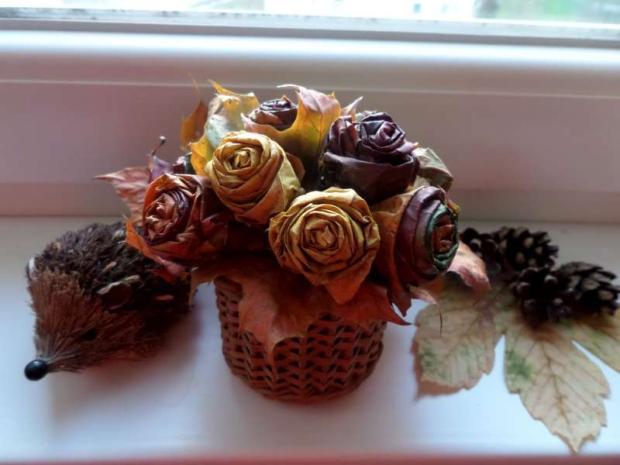 ružičky z jesenného lístia, Aranžovanie