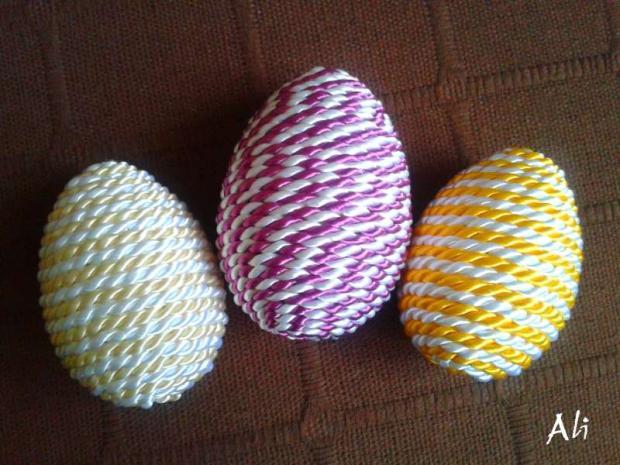 vajíčka z točenej šnúrky, Veľkonočné dekorácie