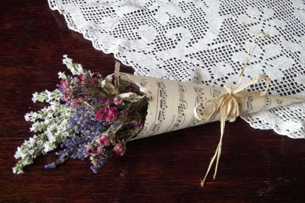 2e50dc743 Inšpirácie na originálnu kyticu alebo darček pre pani učiteľku z ...