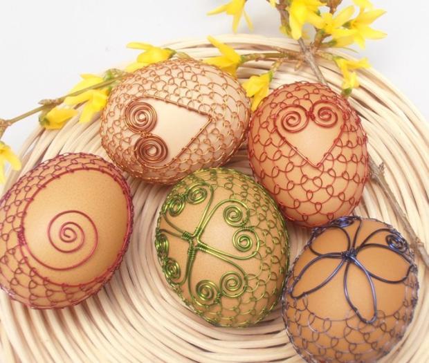 V drôtenej košieľke, Veľkonočné dekorácie
