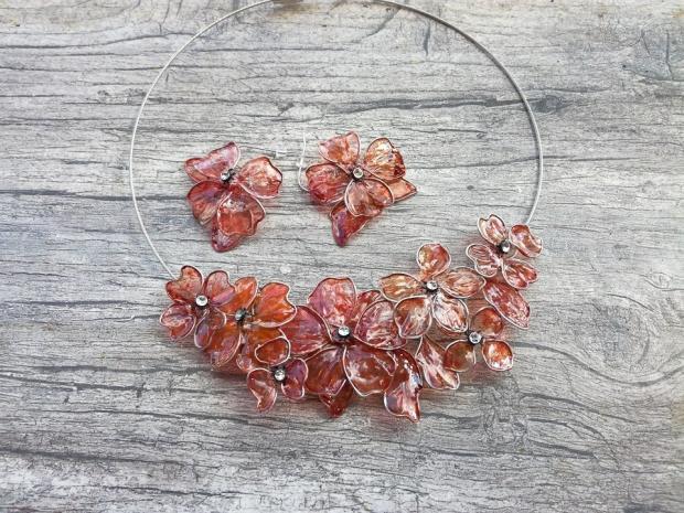 drôtikové kvety, náhrdelník a náušnice , Drôtovanie