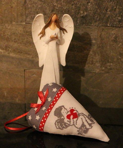 Vianočná dekorácia vyšívané srdce s anjelom