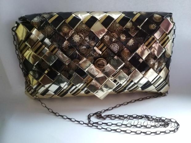 Čierno - zlatá kabelka, Papierové tašky