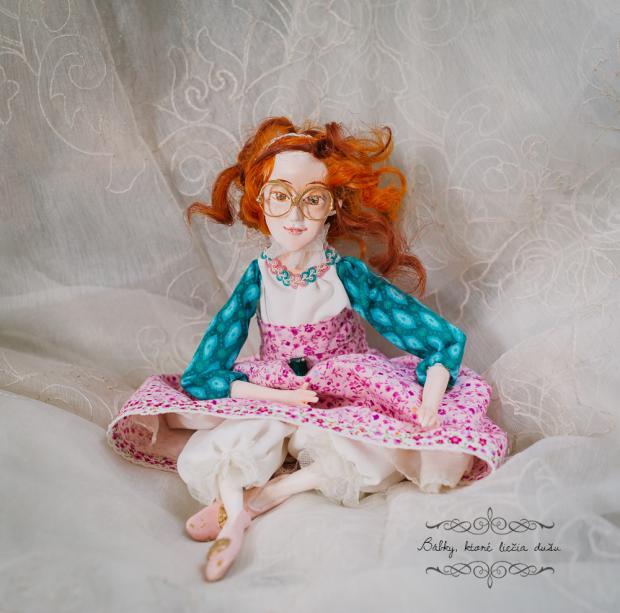 Bábka Matilda, Bábiky a hračky
