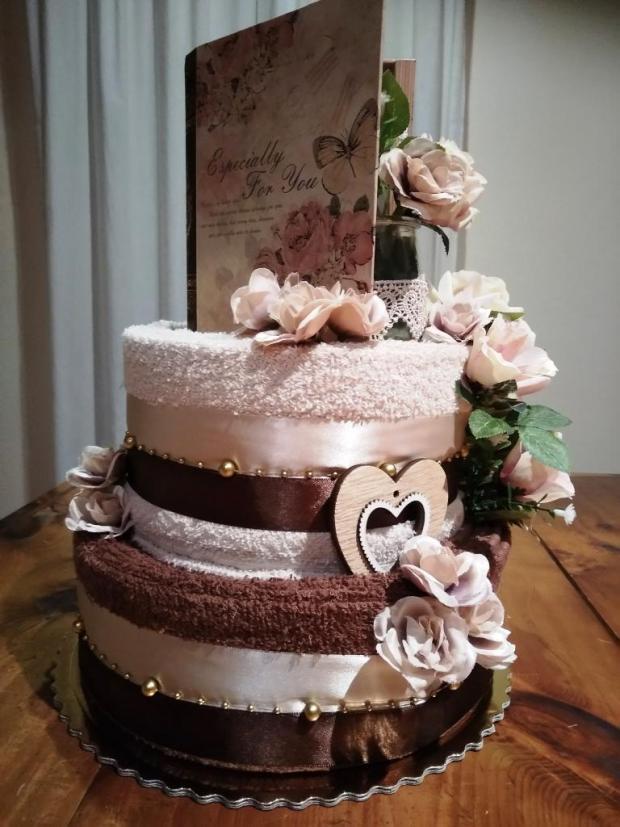 Čokoládová -uteráková torta, Aranžovanie