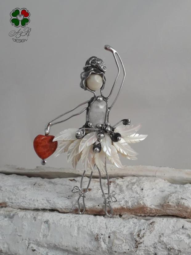 BALETKA - malá milá dekorácia - malý šperk do interiéru , Drôtovanie