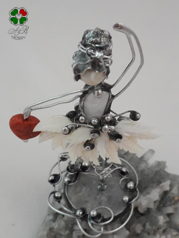 BALETKA - malá milá dekorácia - malý šperk do interiéru , Drôtovanie 4