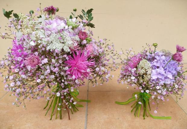 Malá a veľká ružová kytica, Aranžovanie