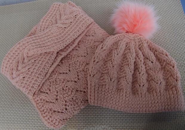 pletený dámsky set - čiapka, čelenka a šál, Pletenie
