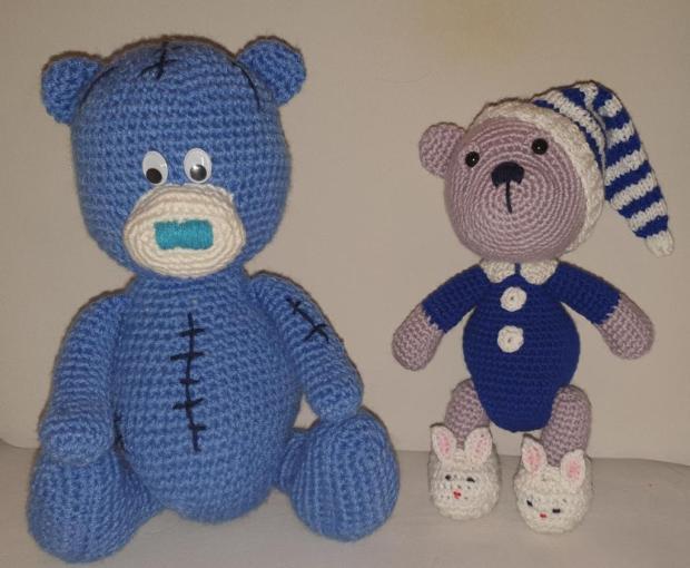 Modrí mackovia, Bábiky a hračky