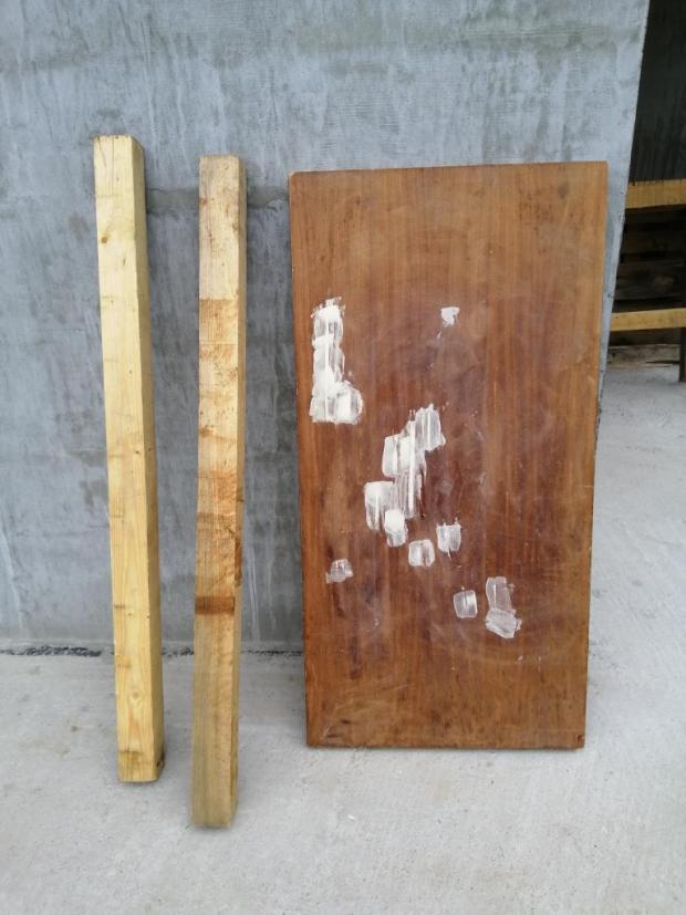 Starý stôl v námorníckom štýle, Recy - veci