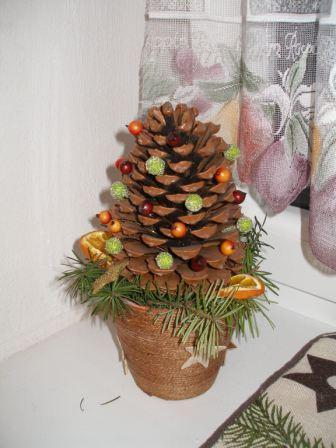 Šiškový stromček, Vianočné dekorácie