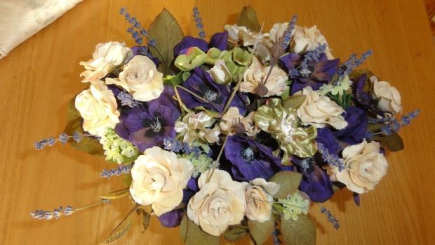 fialová kytica, Aranžovanie