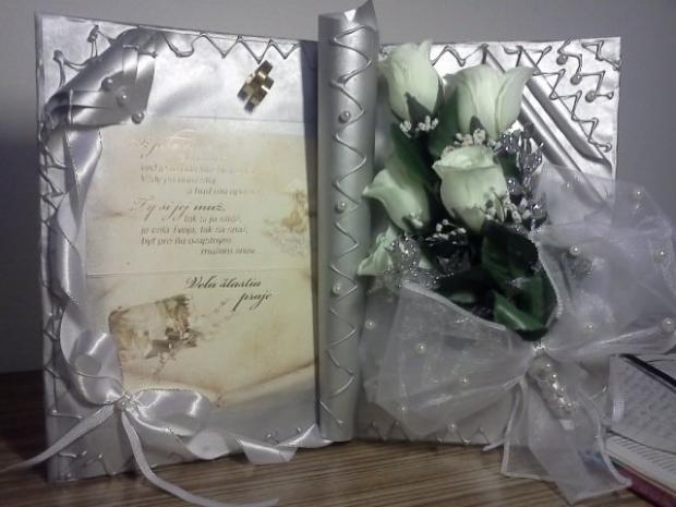 Moja prva darcekova kniha -blahozelanie k sobasu, Aranžovanie