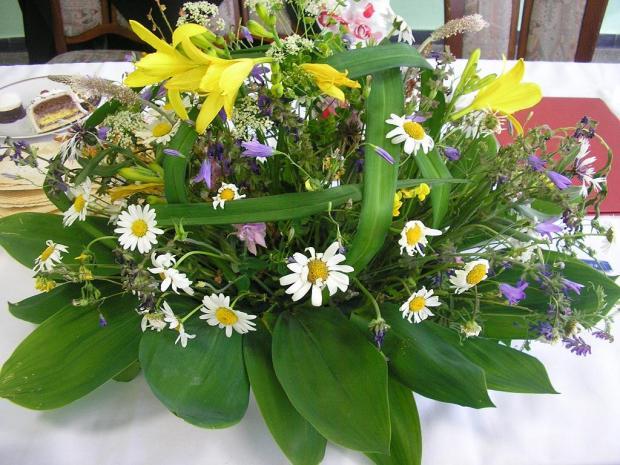 Ikebanaz lúčnych kvetov