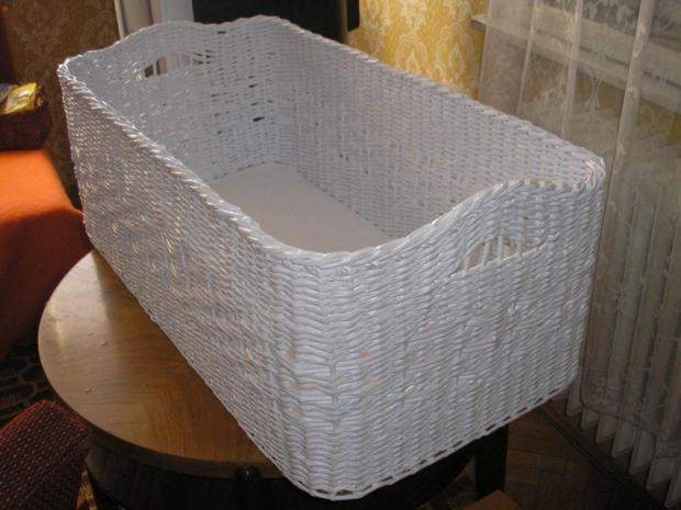 cfb3458b1 Biely košík na objednávku, Papierové pletenie. Ostané tvorenie: