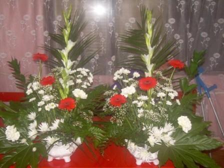 Kvety aranžovane do kostola