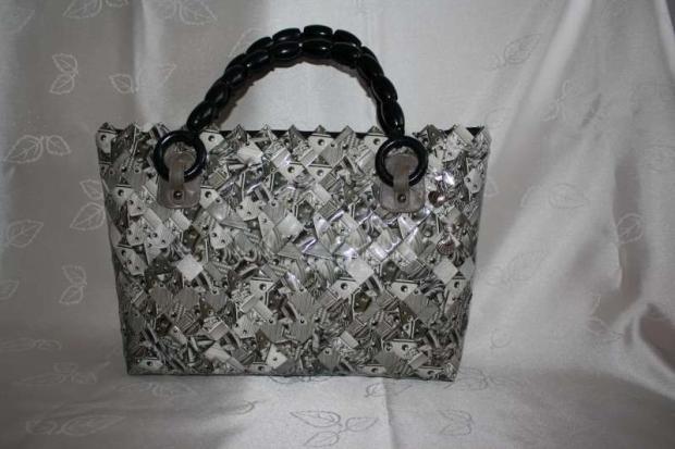 7a1686b11614 Meninová kabelka pre svokru Evičku