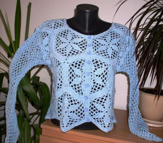 Háčkovaný sveter
