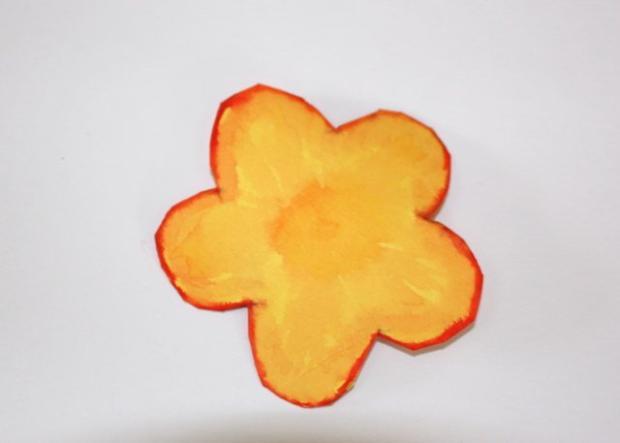 Kvetinkový košíček 10