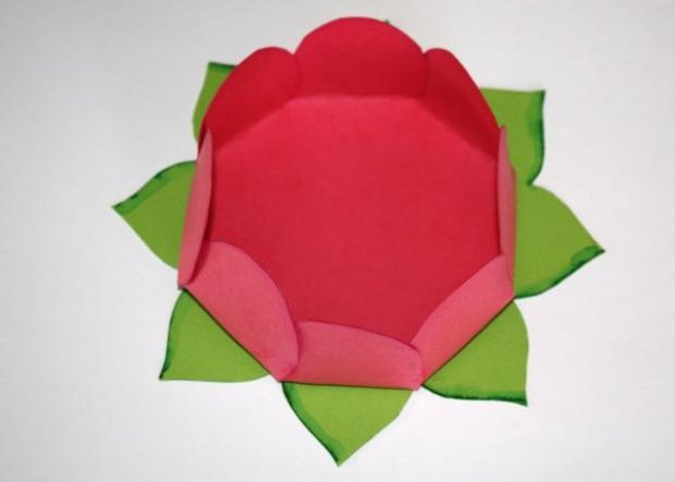 Kvetinkový košíček 18