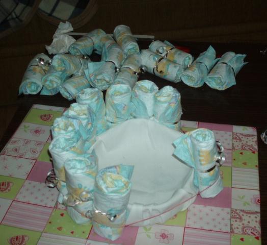 Bocian z plienok - návod na plienkovú tortu 4