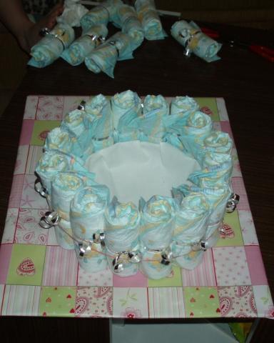 Bocian z plienok - návod na plienkovú tortu 5