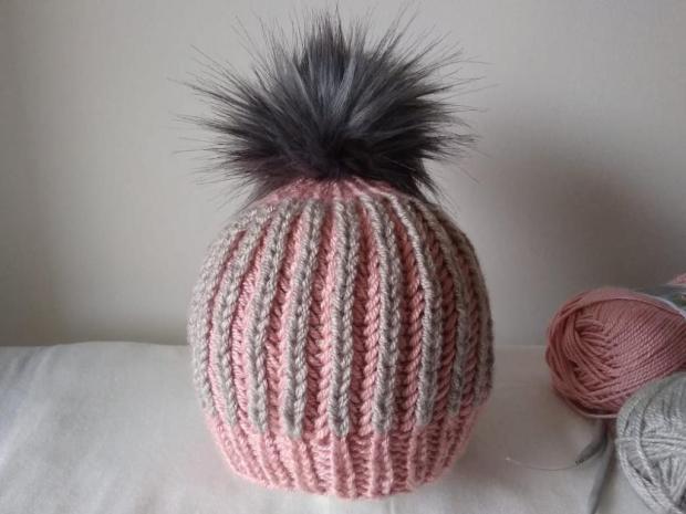 Dvojfarebná pletená čiapka - foto postup