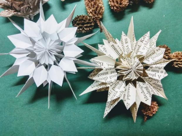 Papierová vianočná hviezda zo starej knihy