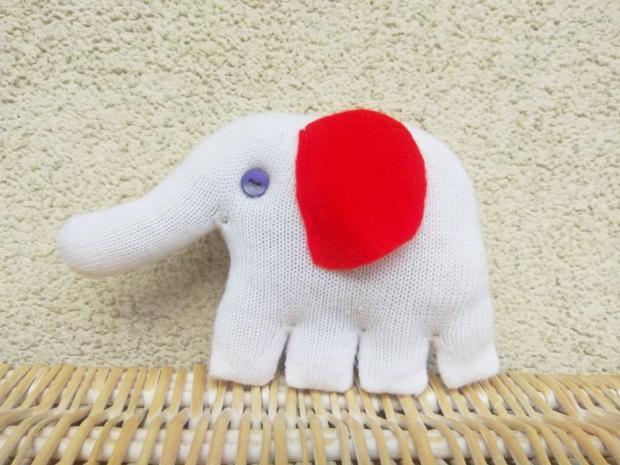 https://artmama.sme.sk/sitie/slon-hracka-zo-starej-rukavice