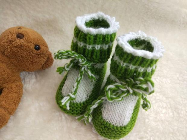 Pletené papučky pre bábätko, fotopostup