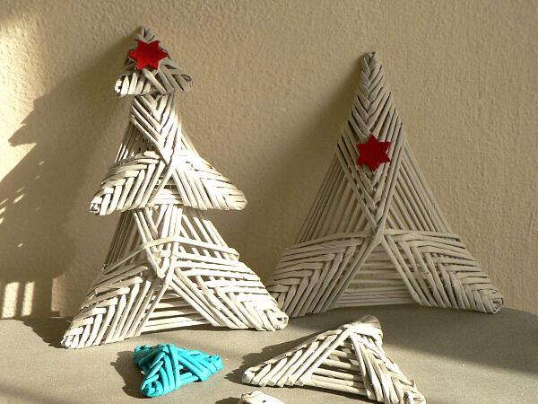 52e236a19 Autor: Dasa_; Fotopostup na papierové pletenie - 2D pletené stromčeky